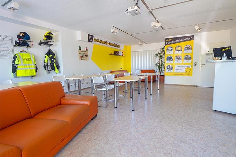 Räumlichkeiten von Mosti's Fahrschule in Dingolfing